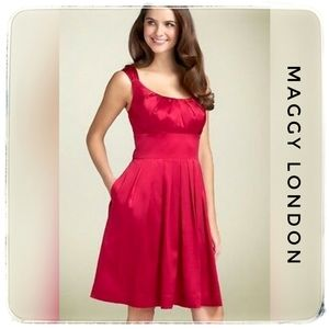 Maggy London 100% Silk Candy Apple Red Dre…